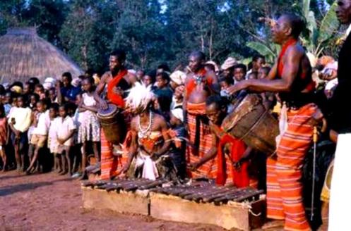 batuque_angola_com_marimbas