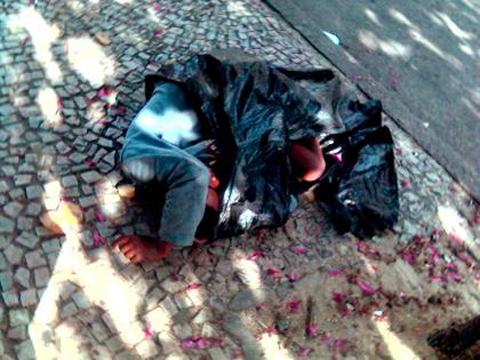 pinguilin-menino_dorme_2