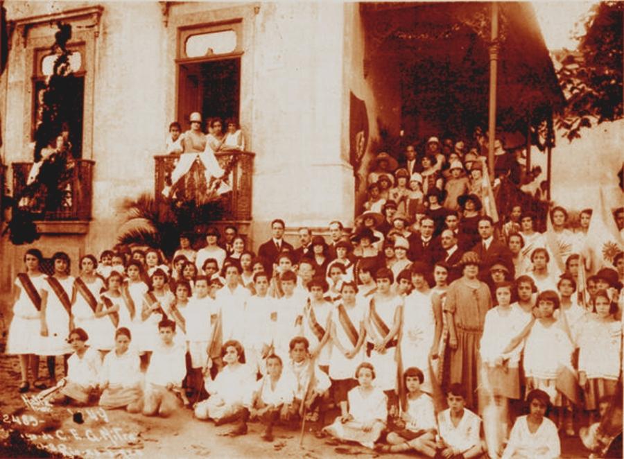 Cerimonia na Escola Mitre 27 agosto 1918 Foto Augusto Malta