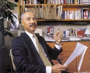 Hans Mossaquoi, como diretor da revista afro-americana 'Ebony'