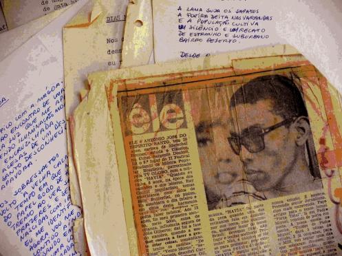 Na foto de 1968 eu numa entrevista que dei para Nina Chaves, colunista da coluna 'Êle' de O Globo depois de me destacar como intérprete e compositor num festival estudantil da TV Globo. Meses depois estava na cadeia.