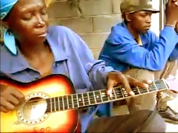 Ronnie do Botswana e seu violão incrível