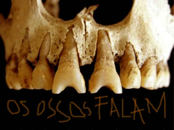 Dentes esculpidos. Uma prática benguela