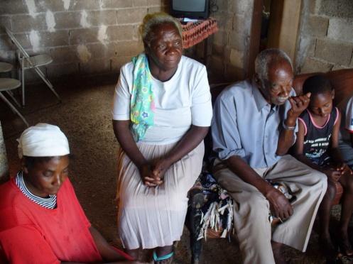 """Maria Miúda e Pedro """"de Miúda"""" relatam sua vida de descendentes de angolanos do Benguela"""