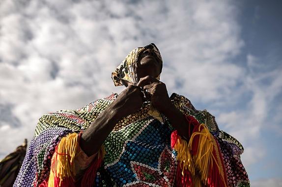 Nazare da Mata - Ensaio sobre o Maracatu Rural Cambinda Brasileira, no Engenho Cumbe durante os anos de 2012/2013. - FOTO: ALEXANDRE SEVERO